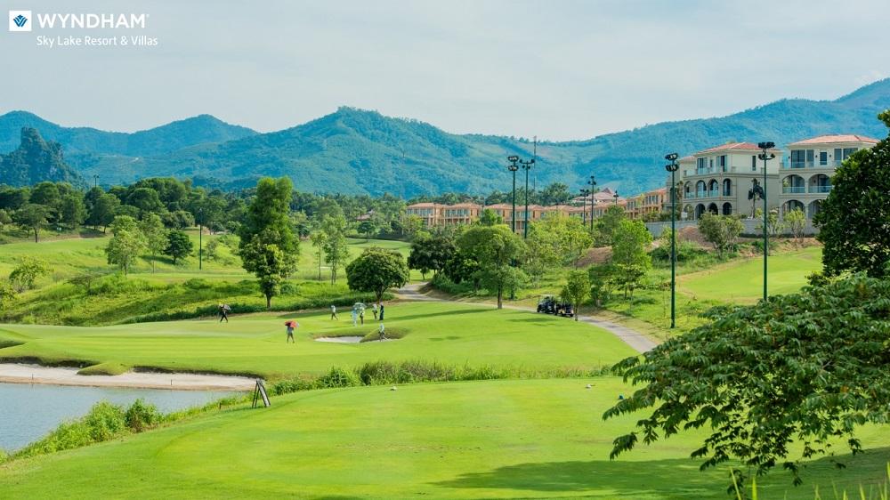 tit Giới đầu tư phát sốt với những căn biệt thự sân golf tại Chương Mỹ, Hà Nội