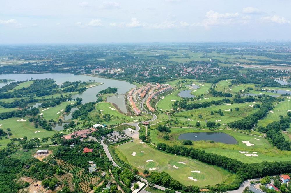 Wyndham Skylake nằm trọn vẹn trong lòng sân Golf